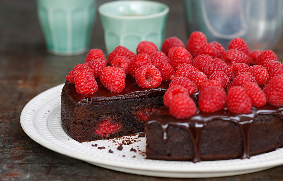 6.-Indulgent-chocolate-and-raspberry-brownie-featured