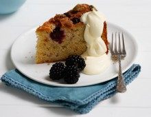 Blackberry, yogurt and pistachio cake
