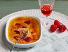 Raspberry and vanilla crème brulee